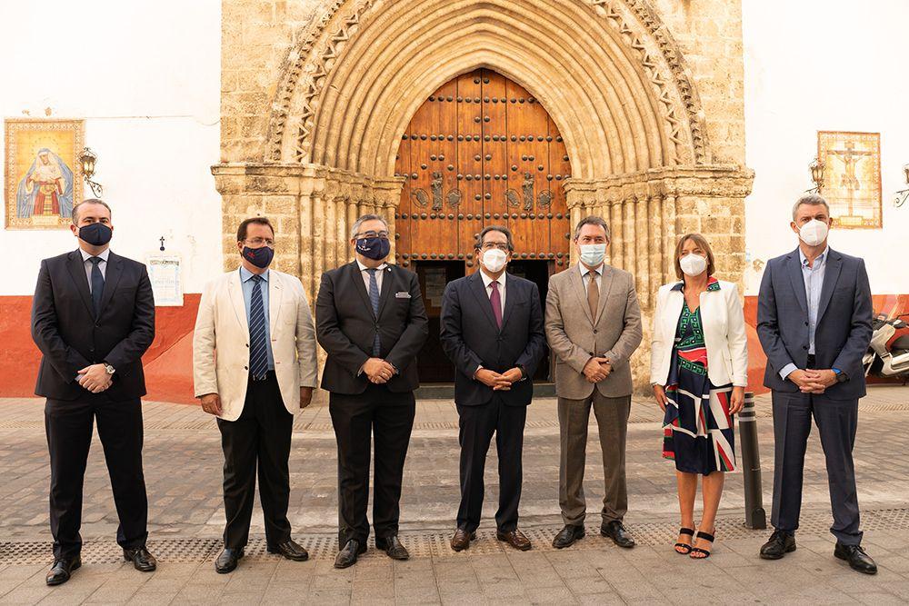 Fundación Cajasol y La Caixa colaboran con la Hermandad de la Hiniesta