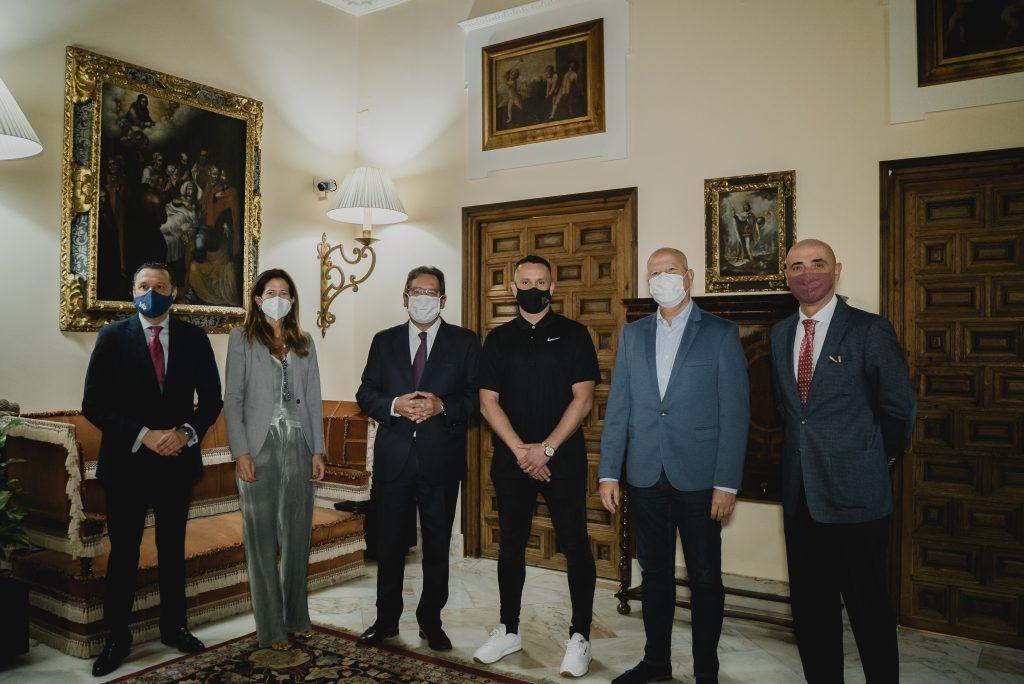 Educación mano a mano: Javier Imbroda y Haze en la Fundación Cajasol