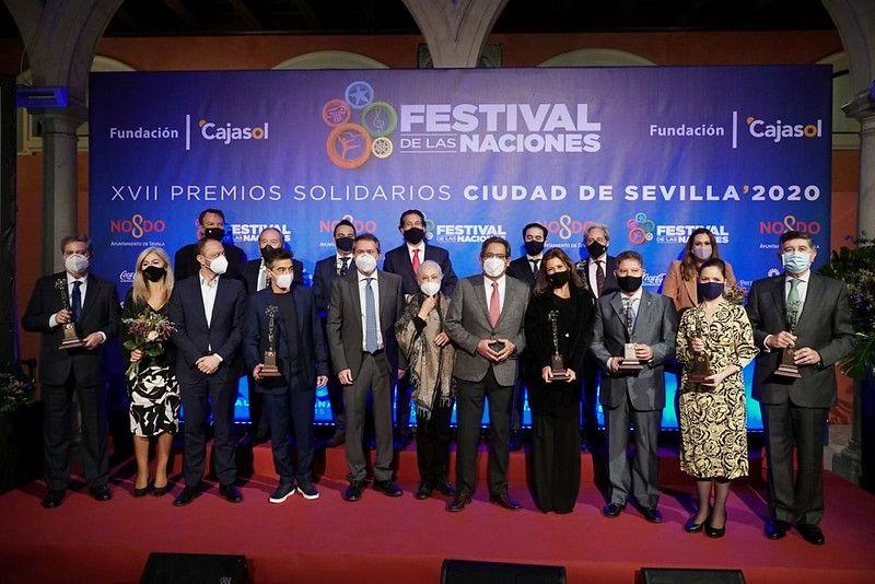 Entrega de los Premios Solidarios Ciudad de Sevilla en Cajasol