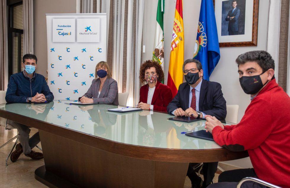 Diputación de Huelva, la Caixa y Cajasol, con el sector agroalimentario